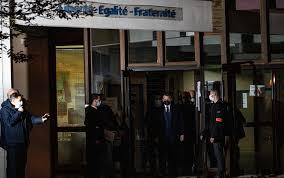 Professore decapitato a Parigi: 9 fermati tra cui un minore e i genitori di  un allievo