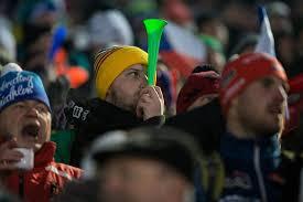 Hodonínský deník   Diváci na závodu SP v biatlonu v Novém Městě na Moravě    fotogalerie