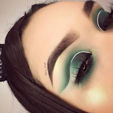 tips to achieve the perfect cut crease