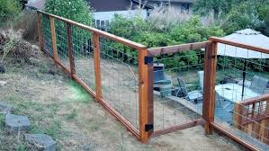 Diy Hog Wire Fence Hog Wire Fence Wire Fence Backyard Fences