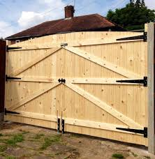 Wooden Driveway Gates 6ft High 9ft 6 Wide Total Width For Sale Ebay