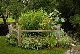 Split Rail Fence Like The Angle Of This One Fence Landscaping Small Front Yard Landscaping Rail Fence