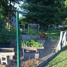 Everbilt 1 3 In X 1 3 In X 5 Ft 14 Gauge Powder Coated Steel Fence U Post 901155eb The Home Depot