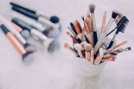 the best makeup lessons in london