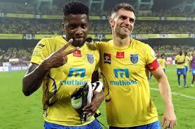 Indian Super League - Aaron Hughes signs one year Hearts deal snubbing  Kerala Blasters return | Goal.com