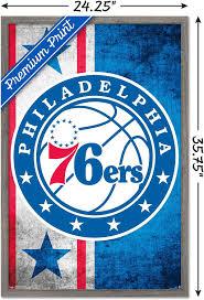 Amazon Com Trends International Nba Philadelphia 76ers Logo 15 Wall Poster 22 375 X 34 Barnwood Framed Version Home Kitchen