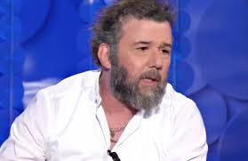 Paolo Vallesi e il cancro: «Non ne ho parlato per non suscitare ...