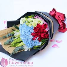 birthday to vietnam with flowers bouquet