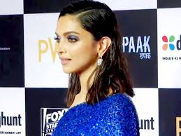 deepika sonam s blue eye makeup