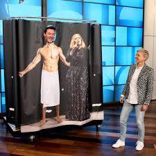 "Luke Evans Sings With ""Adele"" in the Shower - E! Online"