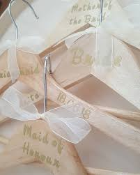 Wandtattoos Wandbilder Mobel Wohnen Personalised Wedding Vinyl Coat Hanger Decal Sticker Bridesmaid Bride Red Hearts Mc Mgmt Com