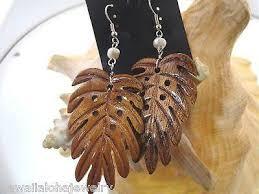 carved wooden earrings honu turtles