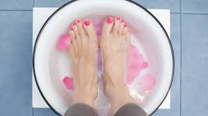 a foolproof guide to salon worthy toes