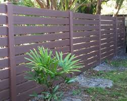 Wood Grain Vinyl Fencing Gallery