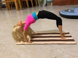 Búp Bê Tập Yoga Barbie DHL81
