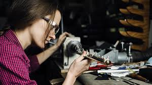 Katharine Smith builds instruments for Wm. S. Haynes Co. - Stuff ...