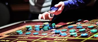 Three Benefits of Playing Poker Online | Money Gaining Online ...