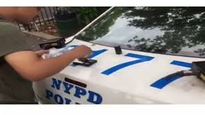 Watch Seemingly Brazen Drug Deal On Back Of Nypd Patrol Car Abc7 New York