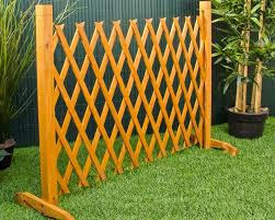 Free Standing Outdoor Fence Roof Fence Futons How To Build Trellis Fence Fence Panels Garden Ideas Home Depot