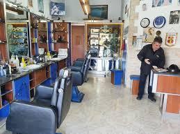 Sì alle prenotazioni, barbieri e parrucchieri aperti domenica e lunedì –  Messina Oggi