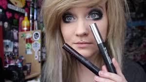 do scene makeup for blue eyes