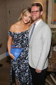 Abby Elliott Is Married to Writer Bill Kennedy — inside Chris Elliott's  Daughter's Life
