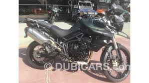 triumph tiger 800 available in black
