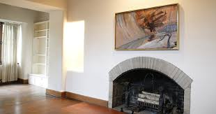 woman says her ventless gas fireplace