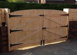 Wooden Driveway Gates 6ft High 7ft Wide Total Width Free Hinges Top Bolt Ebay