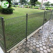 China 8ft 5 Gauge Heavy Duty Welded Wire Mesh Panels Brc Fence Design Residential Landscape Fencing China Brc Fence Roll Top Fence