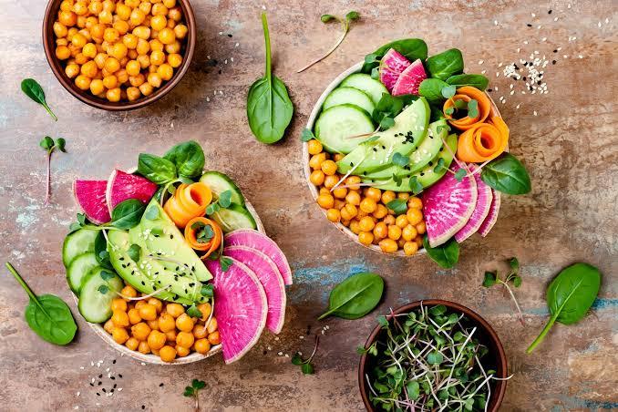 NUTRICIONISTA DESVENDA 5 MITOS SOBRE O VEGANISMO