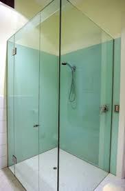 tempered glass sheets around bathtub