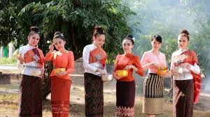 Chut Thai: Thailand's Beautiful Traditional Dress
