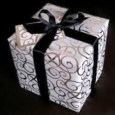 ide memberikan kado ulang tahun untuk seorang pria cowok ulang