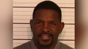 Arrested pastor skips court appearance, preaches on Facebook Live ...