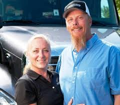 George and Wendy Parker | Overdrive - Owner Operators Trucking Magazine