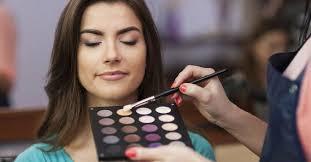 bee a celebrity makeup artist