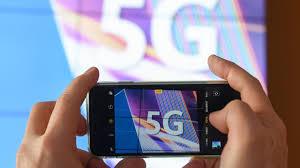 Jaký (ne)má vliv mobilní síť 5G na zdraví. O inovaci se v Česku šíří  dezinformace — ČT24 — Česká televize