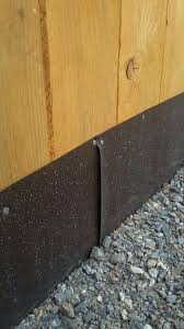 Sheet Metal Along Bottom Of Fence Buried Into Ground For Digging Dogs Digging Dogs Dog Fence Dog Yard