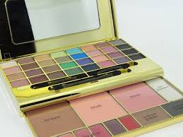 e l f studio makeup clutch palette 650