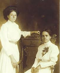 circa 1914) | AFRICAN AMERICAN POET, EFFIE WALLER SMITH (1879-1960), seated  (on the right) and her c… | Women in history, American poets, African  american poets