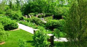 explore lauritzen gardens omaha