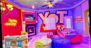Kids Will Love This Toy Story Themed House With Woody Style Bedroom And Toys To Play With Hot World Report