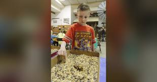 Spring break students get into peanut butter at Edmond Historical Society  classes