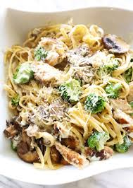 en broccoli mushroom alfredo pasta