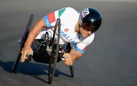 Alex Zanardi wins his first UCI world title