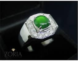 jade ring man senza social