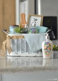 easy housewarming gift basket