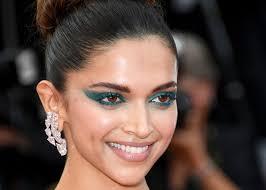 bold celebrity makeup looks you should