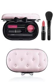 mac fabulousness collection for holiday